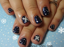 nail art: Wintery Blue