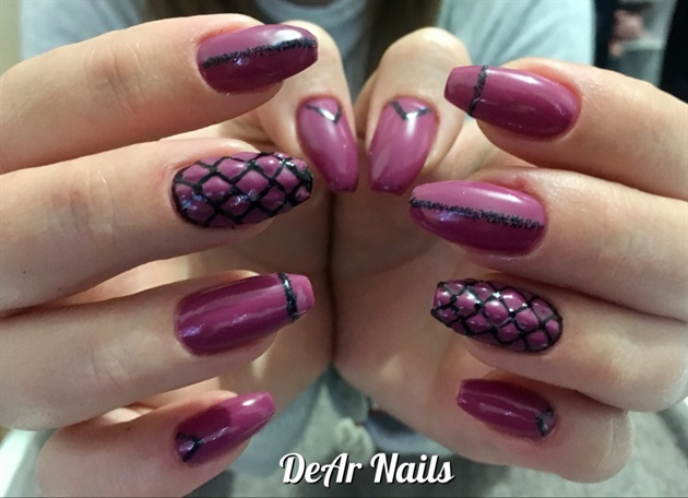 Cushioned Nails With Stripes