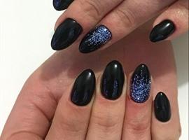 Black Nails And Glitter