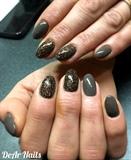 Glitter And Elegant Nails