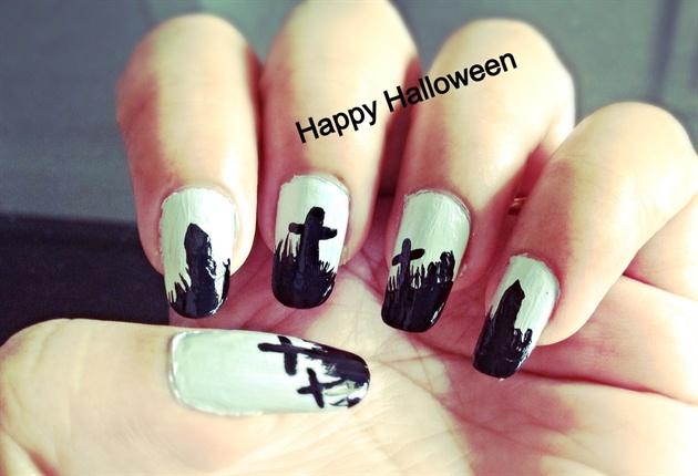 Halloween Nail Art Graveyard