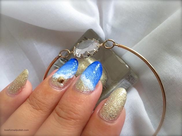 Freehand Beach Nails