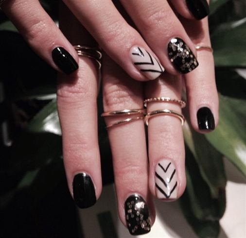 Black Chevron Stripes