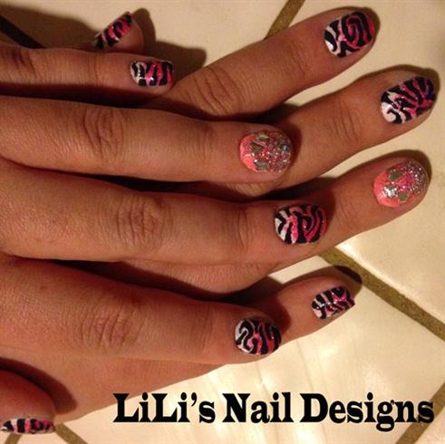 zebra fade w/accent nail