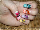 Bright Crackle Flower Nail Art