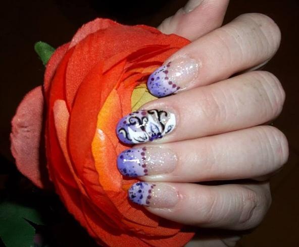Purple & White Flower Design