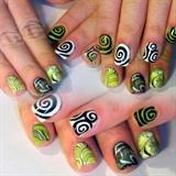 Tripy Halloween Nails