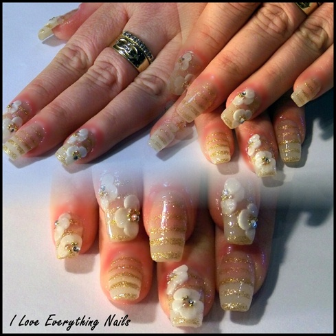 Marc Jacob's Daisy Inspired Nails