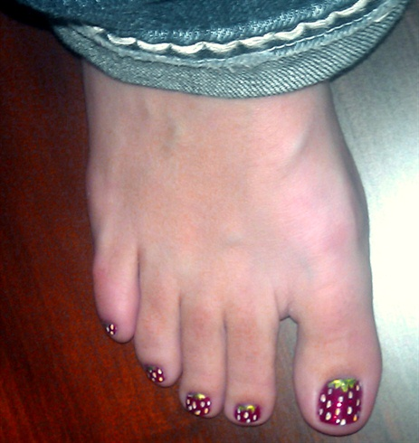 Strawberry Toes Manicure Nail Art Gallery