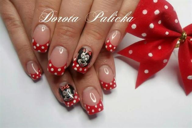 Minnie mouse salon nail art freehand