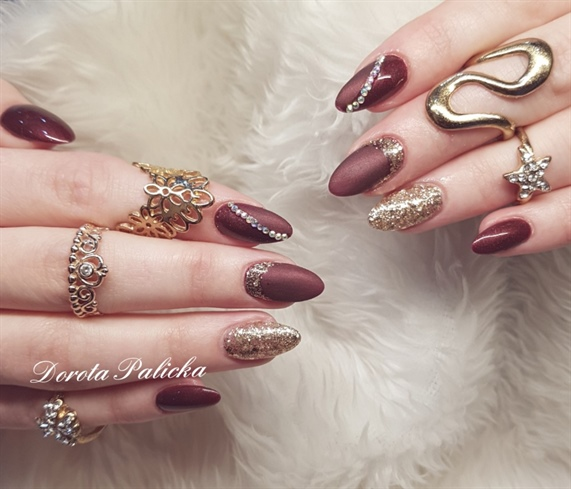 Matte burgundy nails, Christmas nail ideas woth burgundy and gold