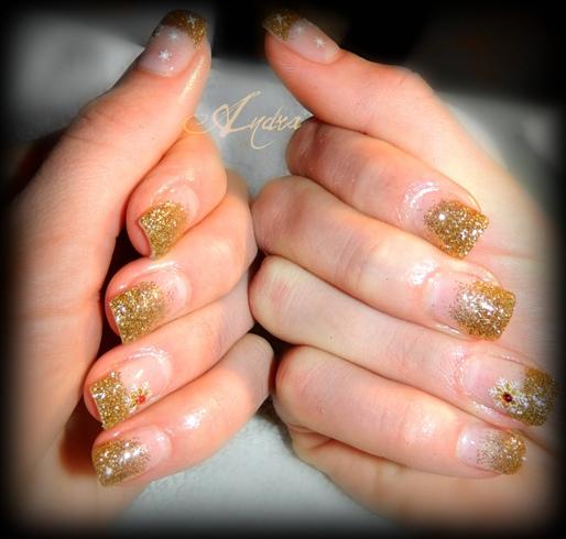 Gold glitter & snowflakes