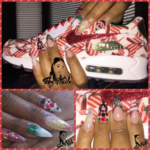 Holiday Inspired Nails 🎄🎁🎉🎊