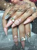 Elvia's Nails