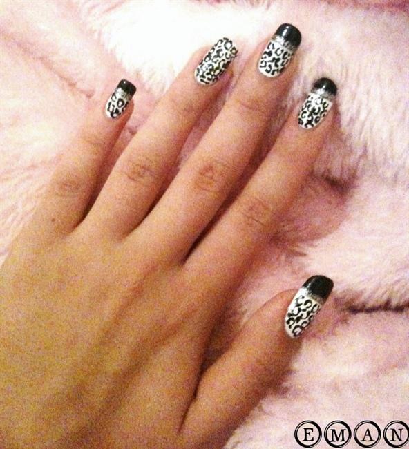 Snow Leopard Print Nails