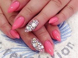 nail art: Pink Bling