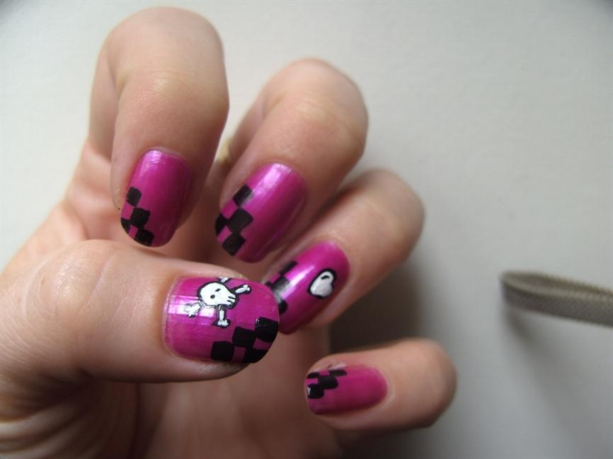 Emo Girl ;) - Nail Art Gallery