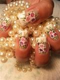 dramatic wedding nails
