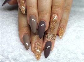 brown glitter almond