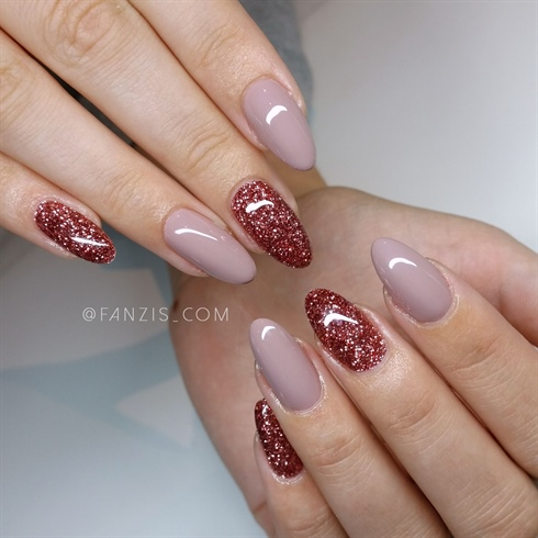 glitter and natural dusty rosas