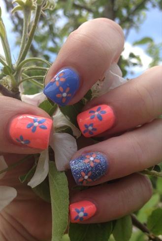 Fun Summertime Flowers Short Nails