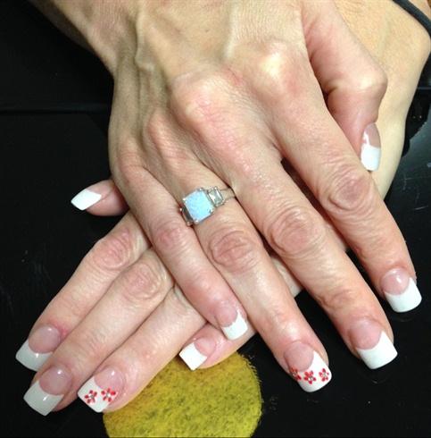 White French Tip Nail Art