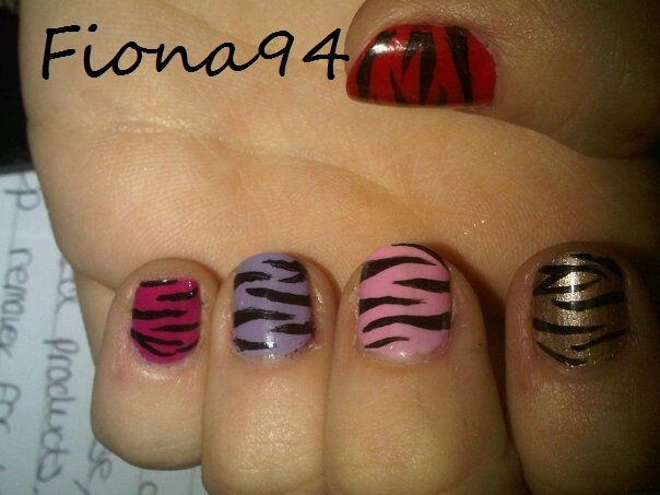 short short zebra nails!