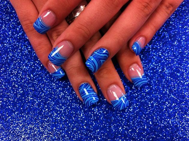 Дизайн ногтей сине голубой