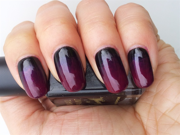 Maroon ombre nails