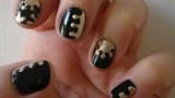 Dotting nail art design