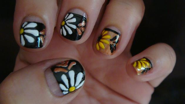 Daisy#2 nail art design