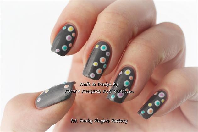 Grey Spotty nails