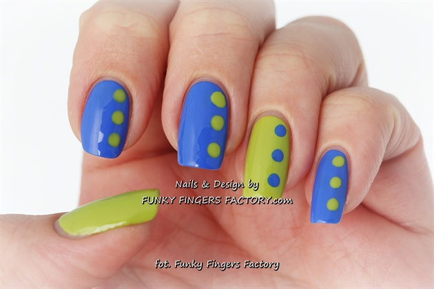 Blue and Lime Retro spotty nails