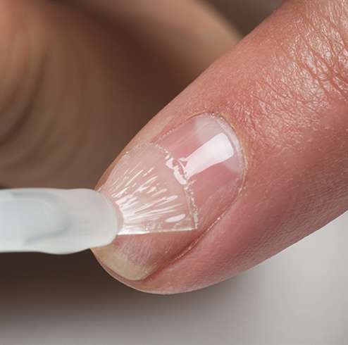 Apply a thin coat of Gelish® Foundation from the cuticle to the free edge (Remember to seal the edge of the nail).