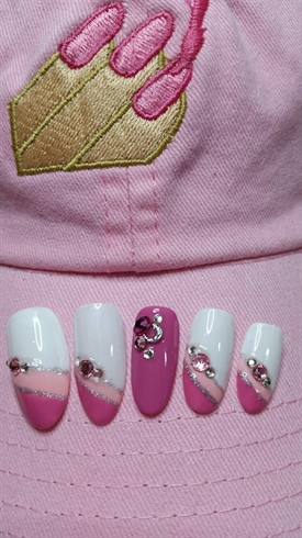 Gelly Filled Nail Salon nail art by Glenda