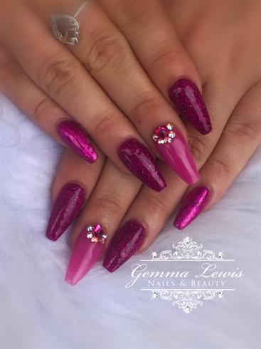 Fuschia pink nails