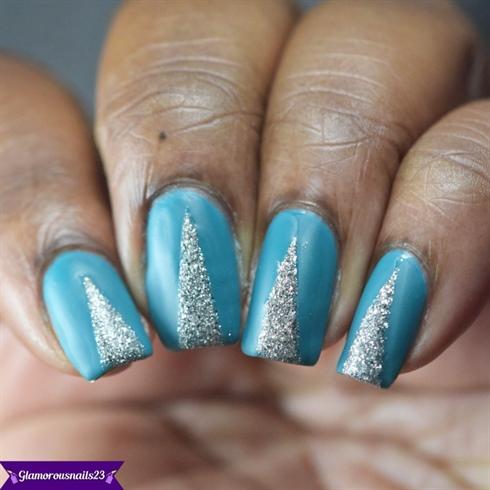 Matte Glitter Triangle Nail Art