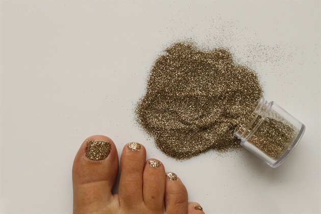 Glitter Toes Gold