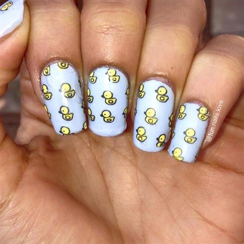 Ногти с кексами