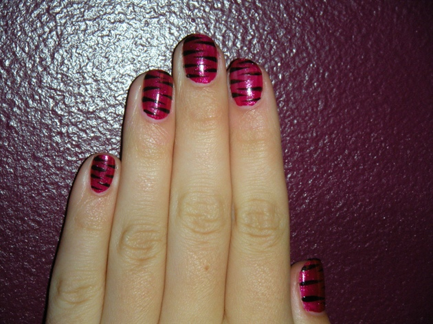 Glam zebra nails