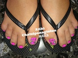 neon pink pedicure