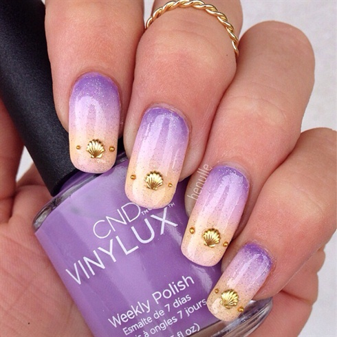 Beachy Gradient Nails