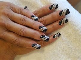 Black & White Design Nails