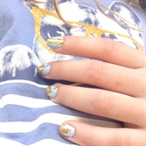 T-shirt Nails