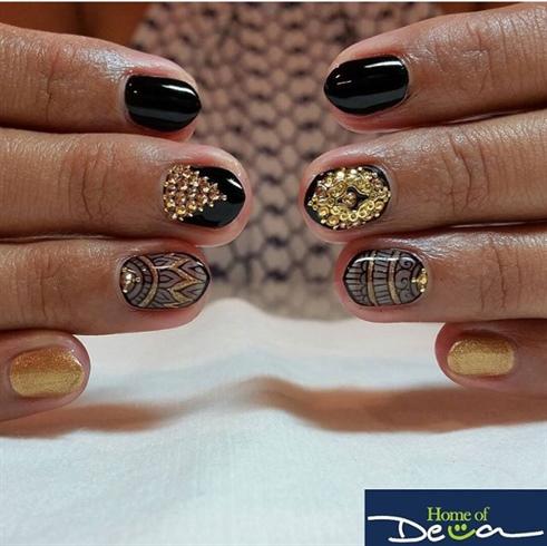 Henna Bling Nails