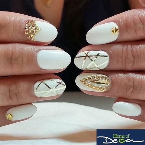 Beach Wedding Nails