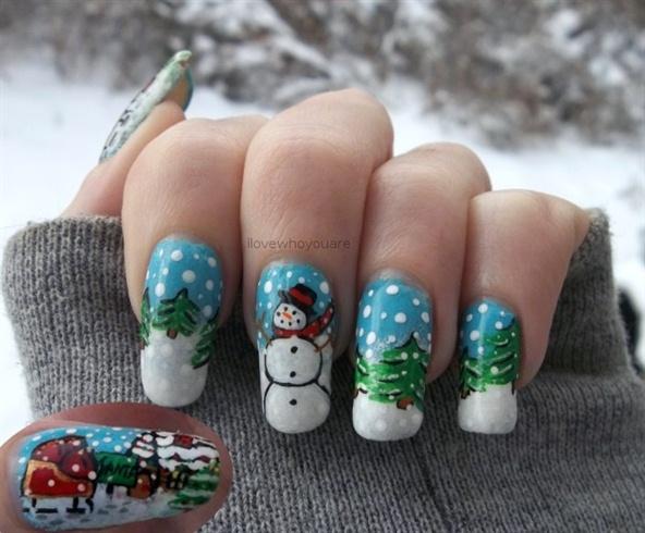 Winter and Santa's Workshop Nails