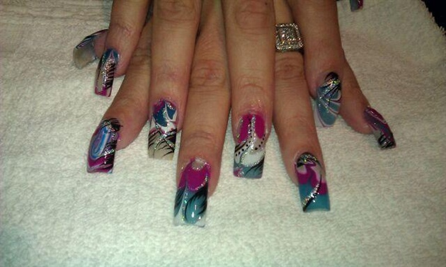 SHEILA'S WATER MARBLE NAIL ART