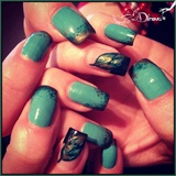 Leaf nail and effect with sponge