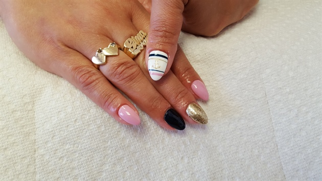 Acrylic nails (from 2016)
